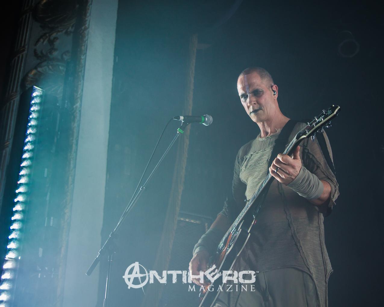 GaryNuman-Antihero-003