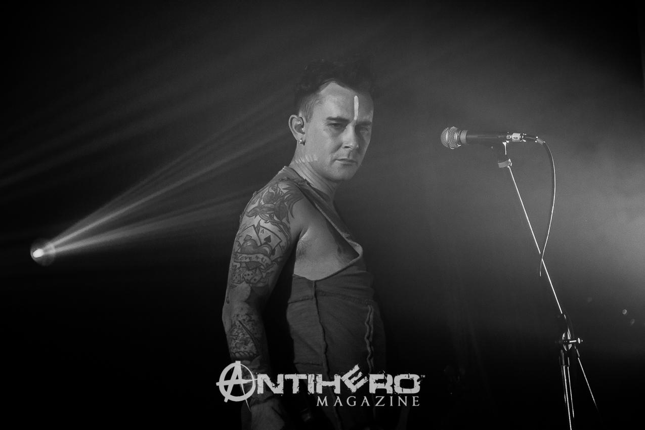 GaryNuman-Antihero-004
