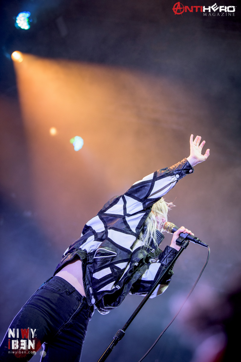 Concert Photos: PARAMORE at Rock For People 2017 ... Paramore Tour