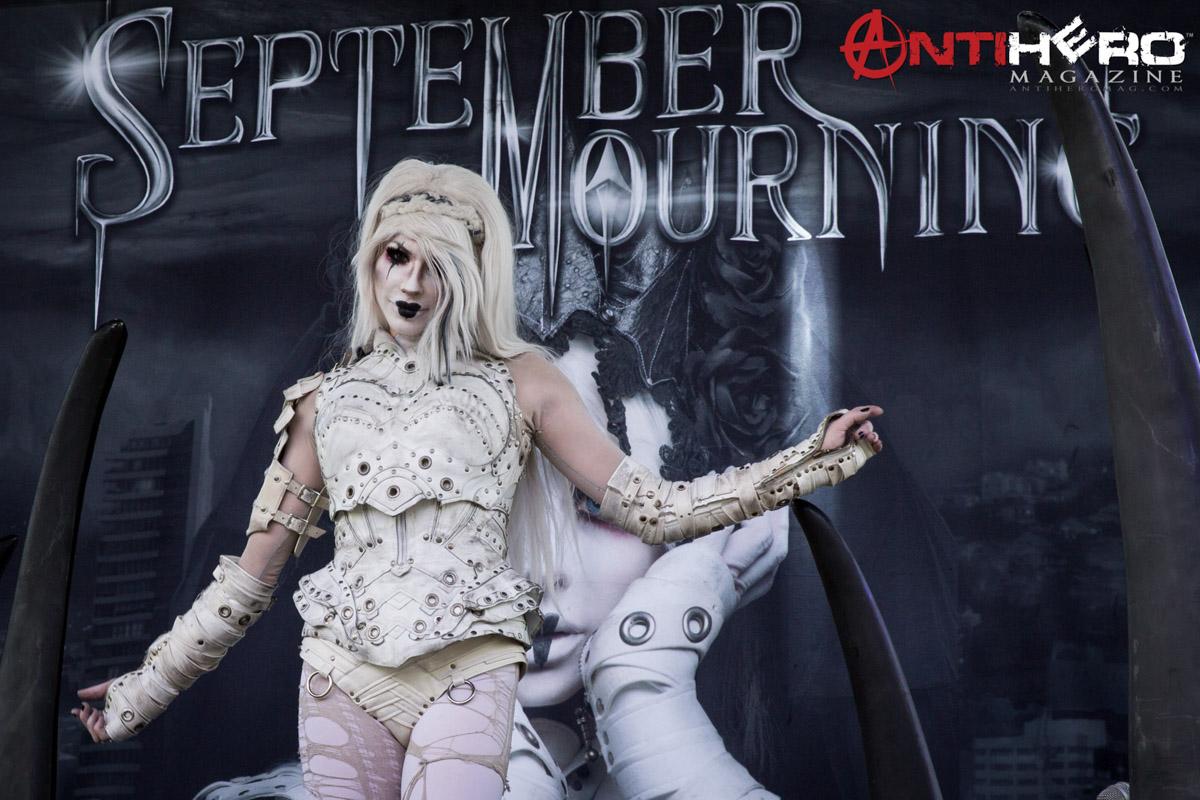 september-mourning-as15-3399