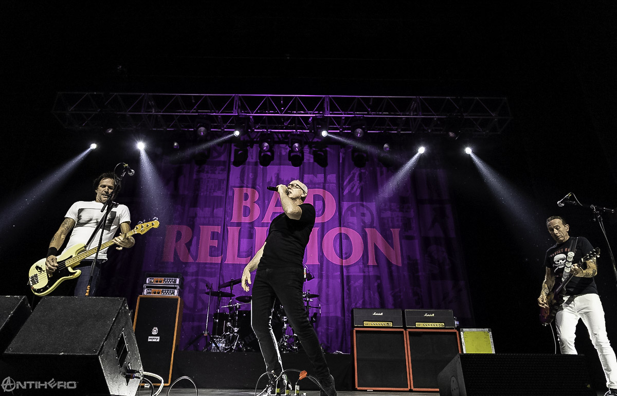 concert review and photos bad religion at the agora theatre antihero magazine. Black Bedroom Furniture Sets. Home Design Ideas
