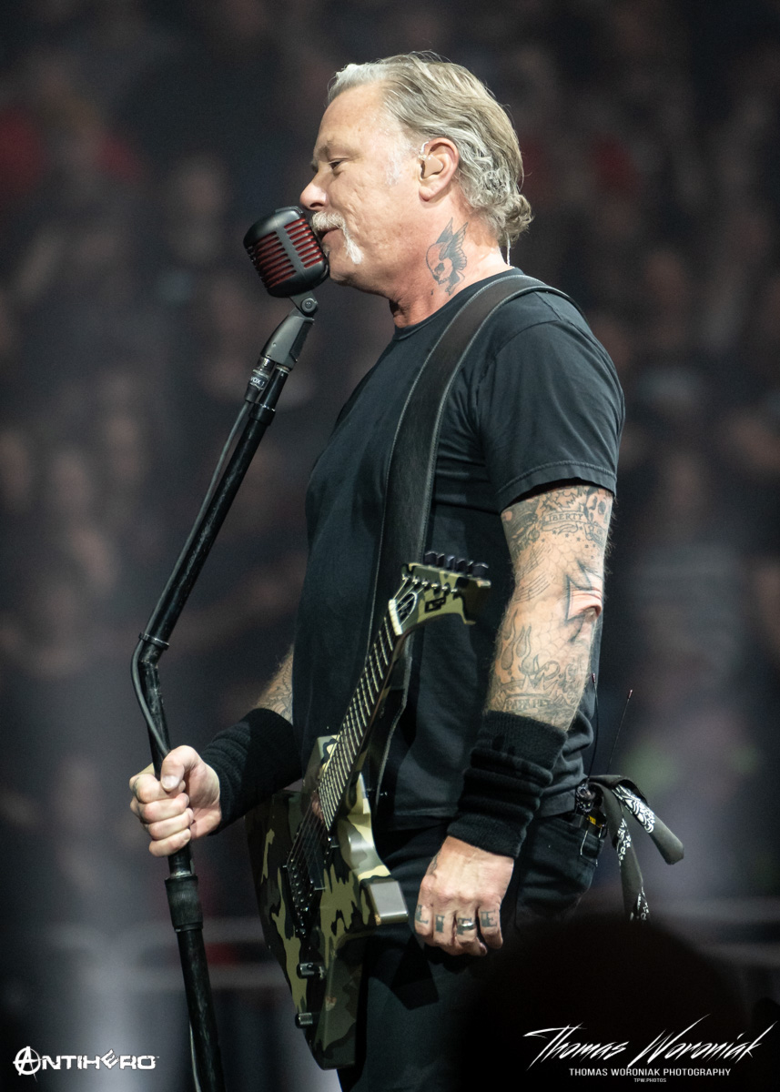 Concert Review and Photos: METALLICA HardWired in Kansas City